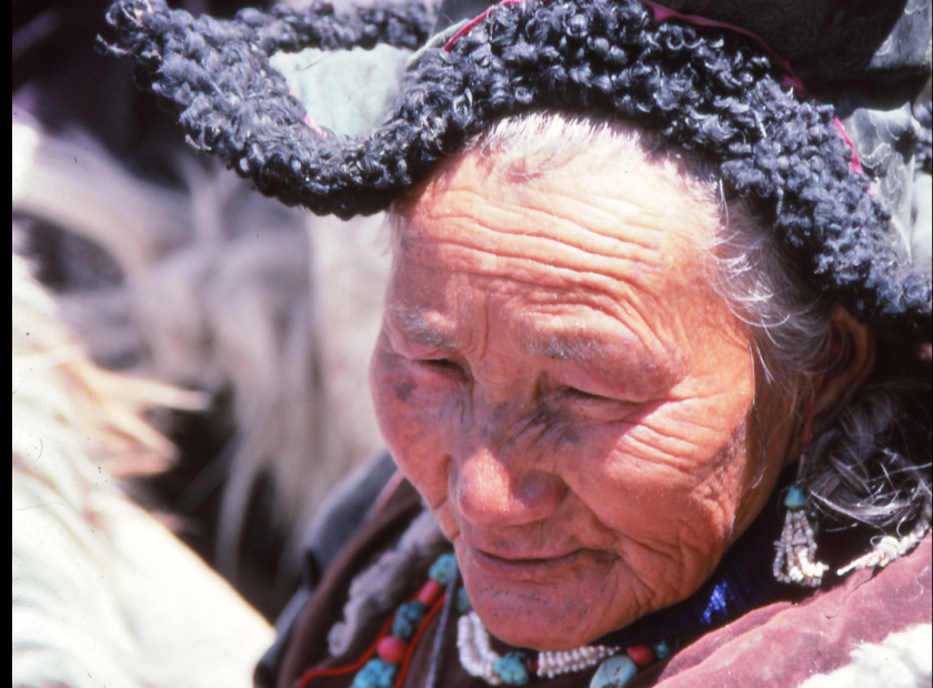 Old tibetan lady, Lhasa 1992